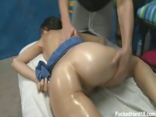 Porno Video of Cute 18 Year Old Zoey Kush Seduced And Fucked Hard After Her Free Massage!