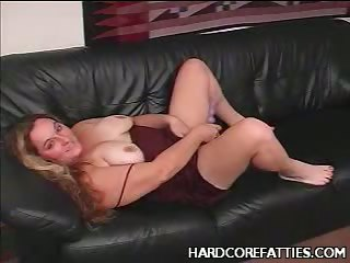 Porno Video of Grissle Rubbing Bbw Cynthia