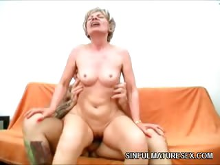 Porn Tube of Wild Mature Pussy