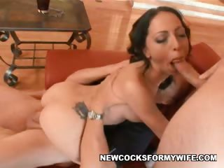 Porno Video of Milf Veronica's Juicy Pussy
