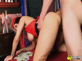 Porno Video of I See Mature Pussy In Your Future