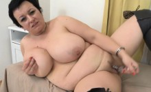Fat Housewife masturbates with glass dildo