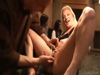 Porno Video of Kitchen Island Cocksucking
