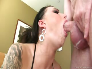 watch how far and how long juelz can take a cock in her throat