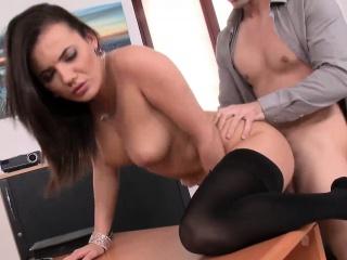 amazing chick vanessa seduces a stud and sucks his fat shaft