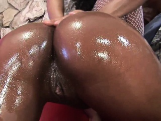 oiled up black girl gets hard bang on the sofa