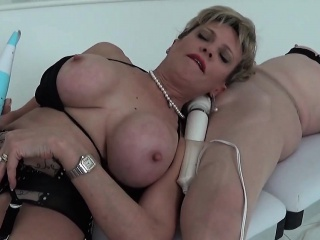 unfaithful english mature lady sonia shows off her massive t