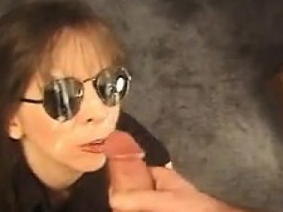 mature woman gives a bj and gets a facial